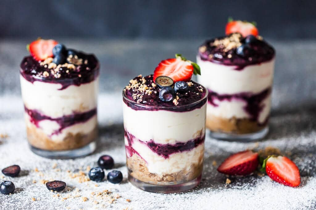 Try this easy and delicious No Bake Blueberry Dessert that you can serve straight in a glass or jar. Great romantic dessert for two. | www.vibrantplate.com