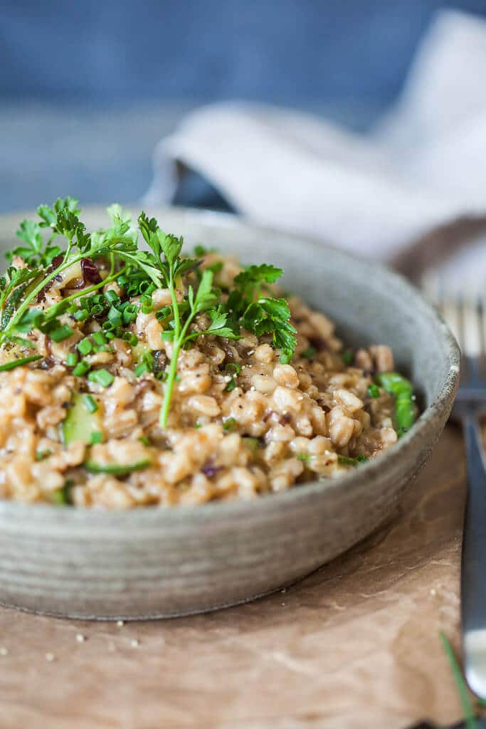 Try this delicious Vegetarian Farro Risotto for a simple and easy dinner. | www.vibrantplate.com