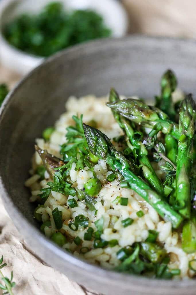 This Vegan Asparagus Risotto is a healthy and easy spring dinner your whole family will love. | www.vibrantplate.com