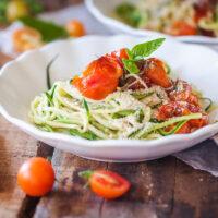 Low-Carb Cherry Tomato Zucchini Noodles {Zoodles}