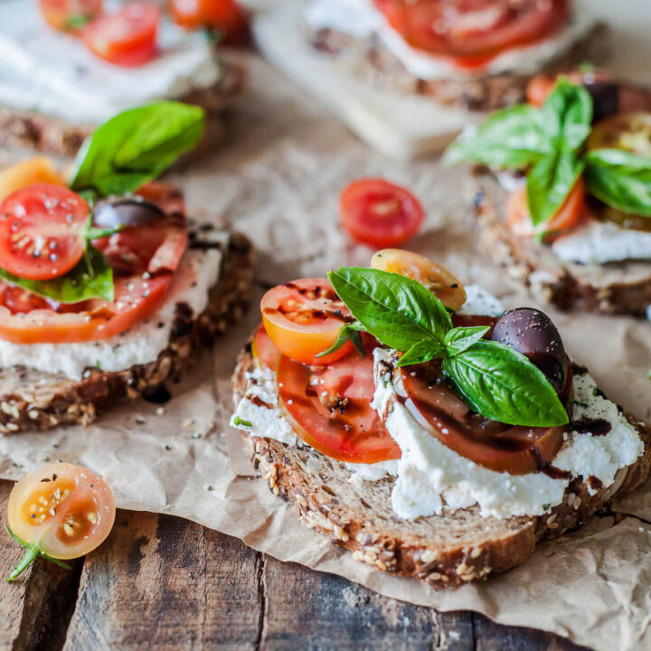 Tomato Wholewheat Sandwiches with Goat's Milk Ricotta are the perfect savory breakfast or a quick snack. Vegetarian and delicious! | Vibrant Plate