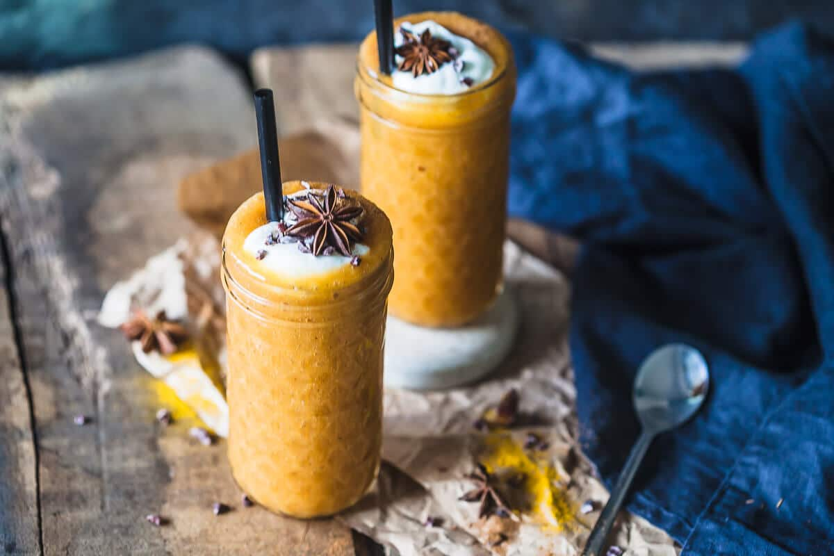 This beautiful golden Turmeric Persimmon Smoothie is your ultimate Fall smoothie! Vegan, Easy & Delicious! | Vibrant Plate