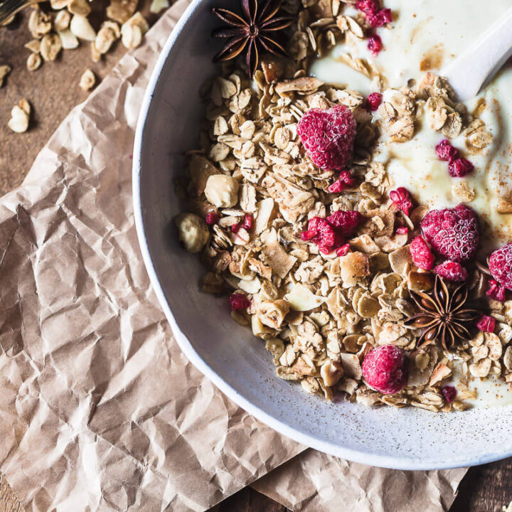 This Gingerbread Hazelnut Granola is simply amazing! Packed full of festive flavors, vegan & gluten-free, plus it's really easy to make. | Vibrant Plate