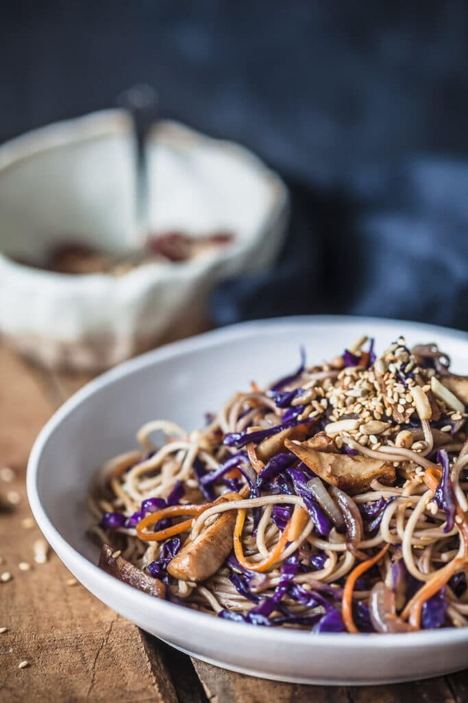 This Purple Cabbage Chicken Lo Mein is delicious and easy to make in just 15 minutes. Make a healthier version right at home! | Vibrant Plate