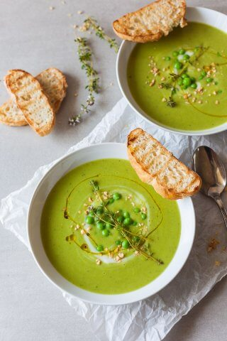 An easy radiant green Vegan Pea Soup that uses only 5 ingredients and 15 minutes to make a delicious meal! | Vibrant Plate