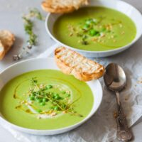 5-ingredient Green Vegan Pea Soup