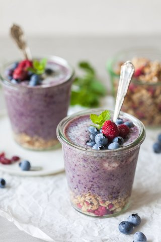 A simple and nutritious breakfast on the go! Blueberry Smoothie Chia Pudding combines two of our favorite breakfasts into one. | Vibrant Plate