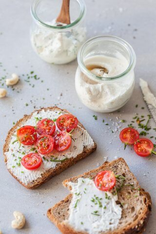 This Probiotic Vegan Cashew Spread makes making your own vegan cheese spread easy with cashews and probiotic capsules. | Vibrant Plate