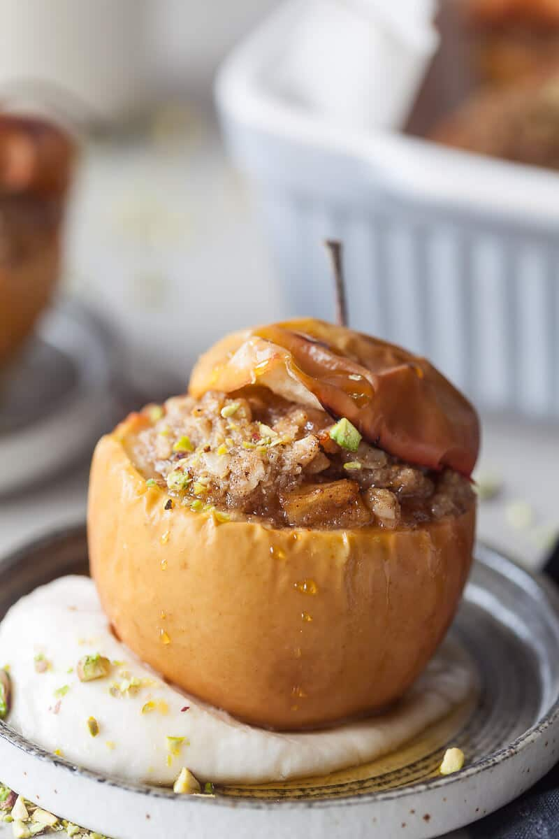 These Vegan Cinnamon Baked Apples are a classic Fall dessert, made vegan and suitable for a plant-based diet. | Vibrant Plate