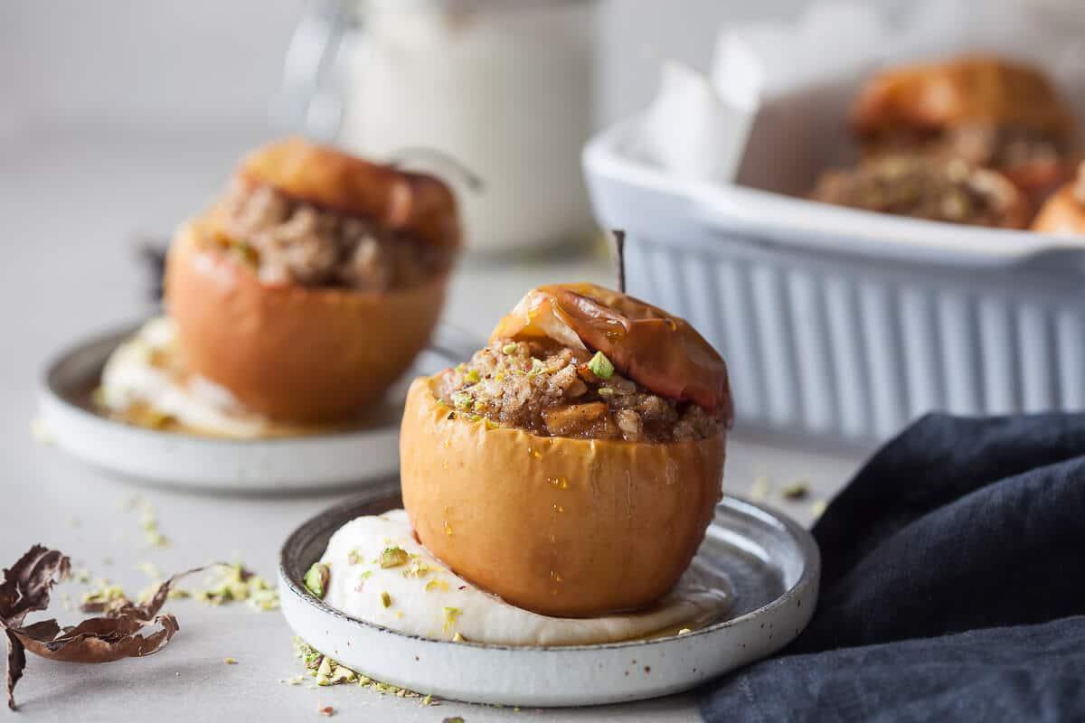 Vegan Cinnamon Baked Apples