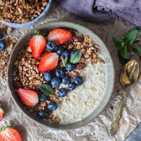 Crunchy Cacao Granola {Vegan}