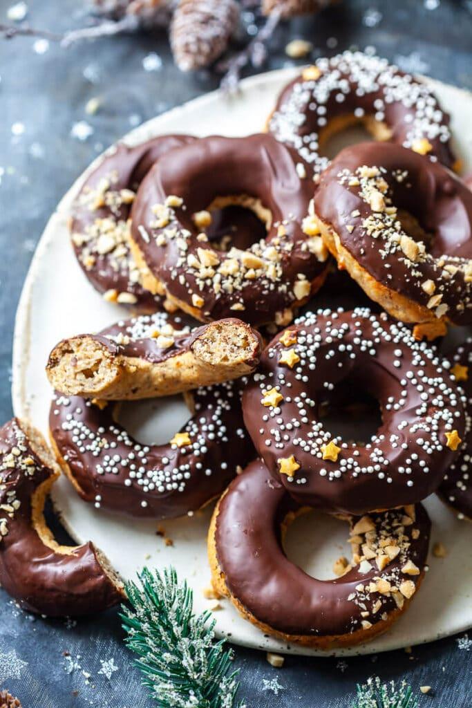 Baked Peanut Butter Banana Donuts