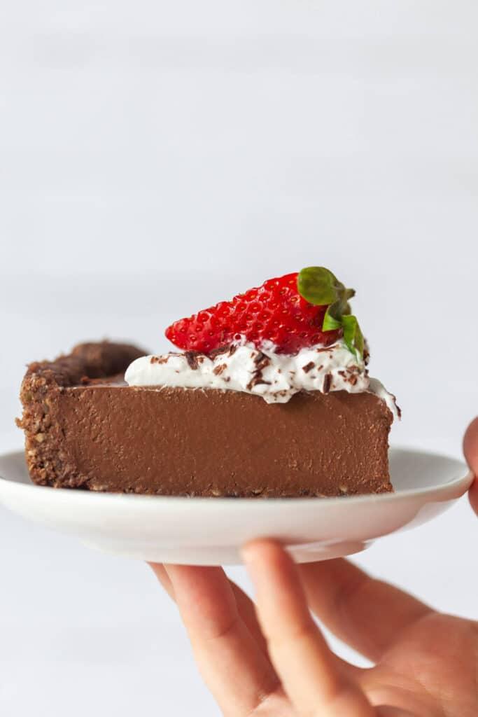 No-Bake Vegan Chocolate Pie